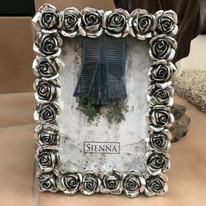 Picture Frame 4x6 | Silver Metal Rose Border